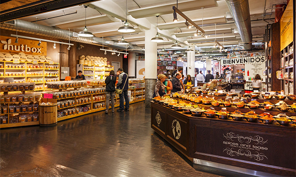 100-things-to-do-in-NYC-Summer-2017-chelsea-market-food-and-culture-walking-tour