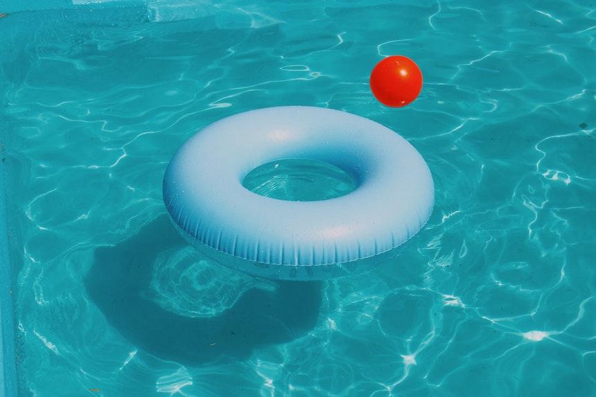 Ice-Land-Water-Park-Pengu-Pool