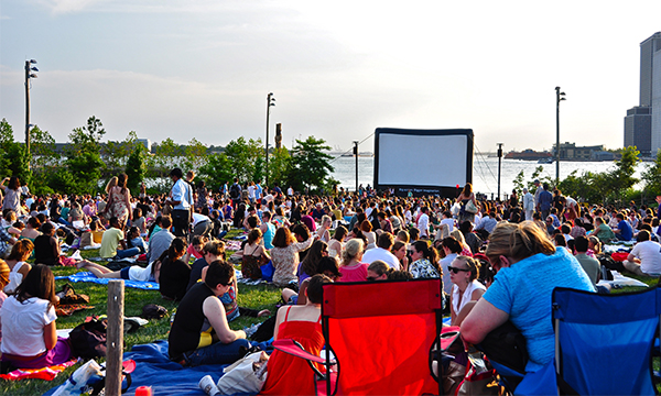 100-things-to-do-in-NYC-Summer-2017-brooklyn-bridge-park-movies-with-a-view