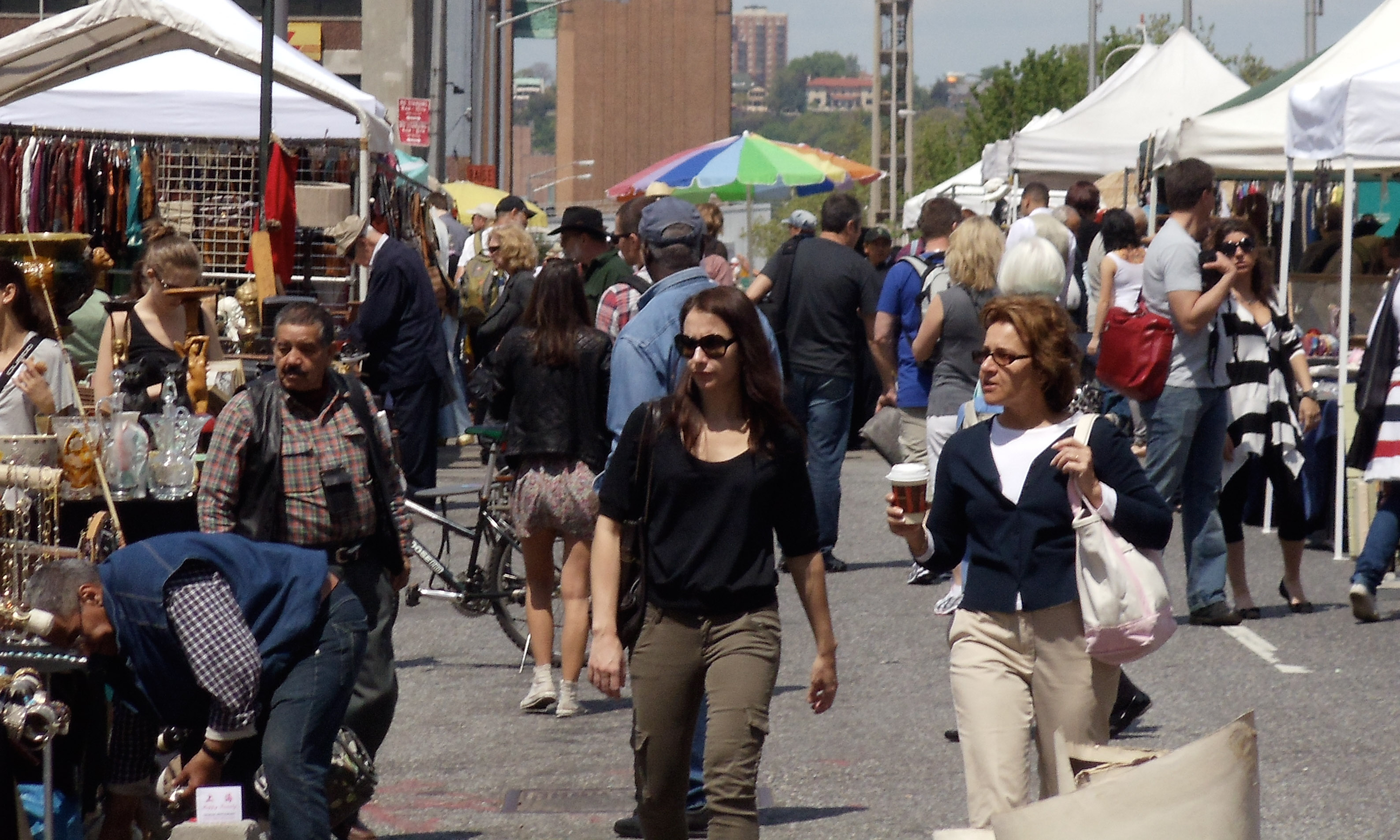 100-things-to-do-in-NYC-Summer-2017-hells-kitchen-flea-market