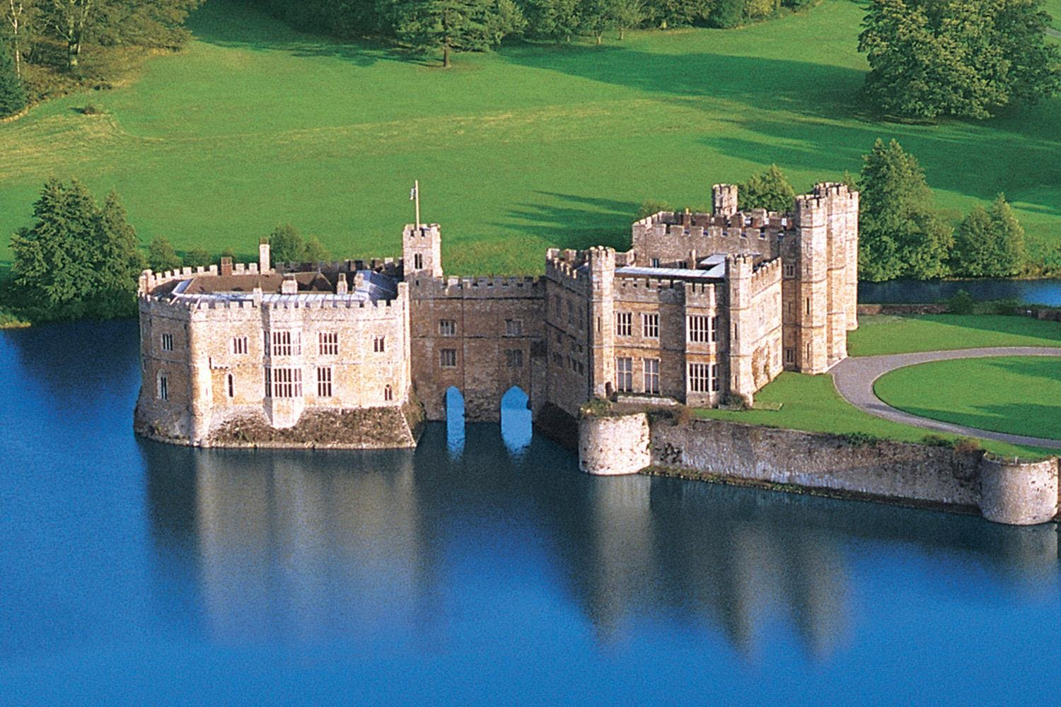 best day trips from london - leeds castle