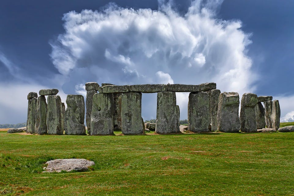 best day trips from london - stonehenge