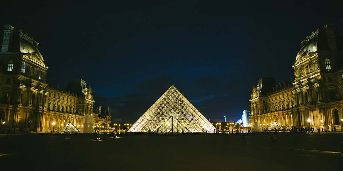 paris by night - louvre