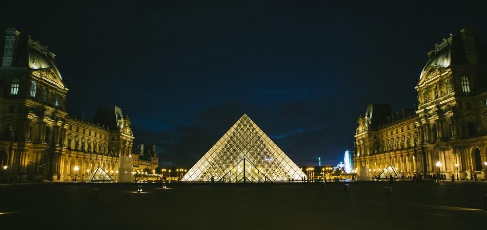 Louvre Museum in a Nutshell