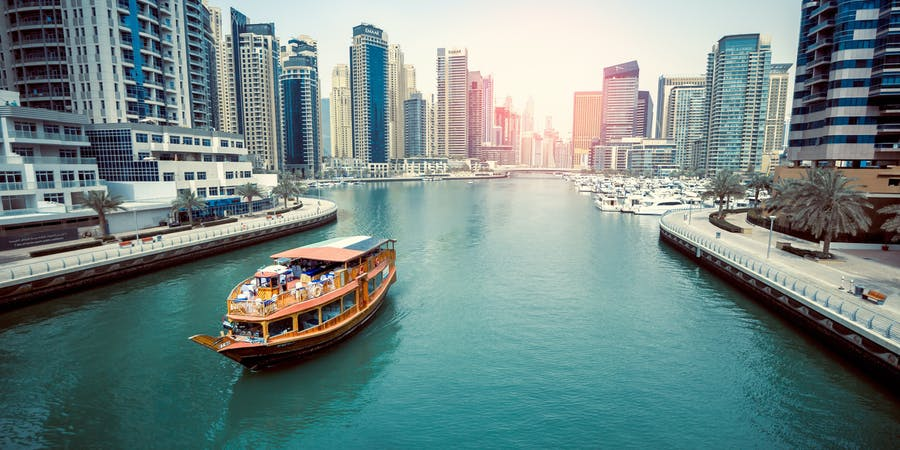 Dubai in april - dhow cruise
