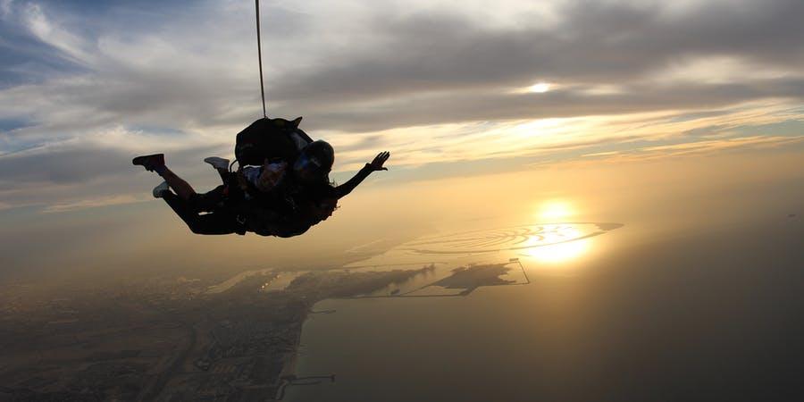 Dubai in april - skydive