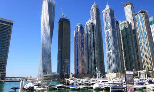 3 Day Dubai Itinerary - Dubai Marina Dinner Cruise - 3