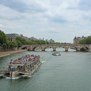Paris Guide Seine Cruises
