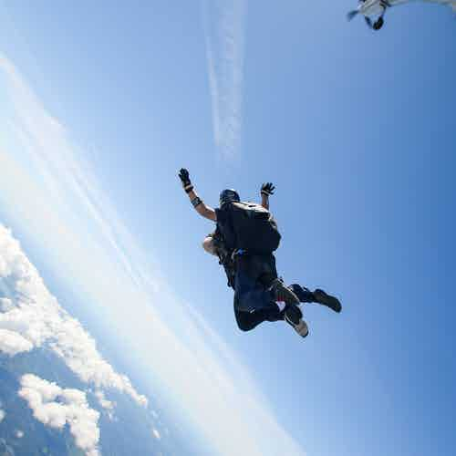 Dubai skydiving - desert campus