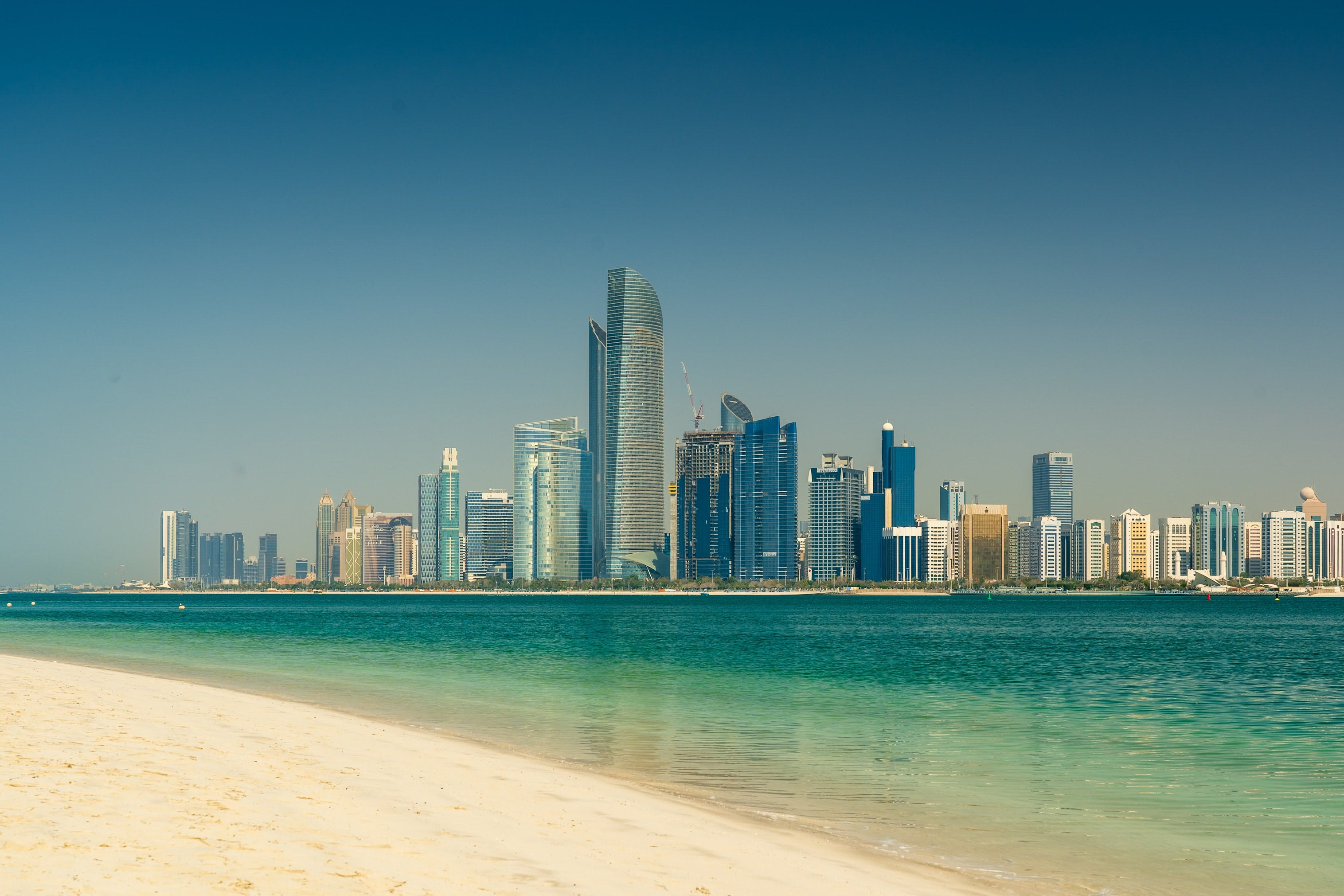 Planning a Day Trip to Abu Dhabi from Dubai? Here's All You Need to Know